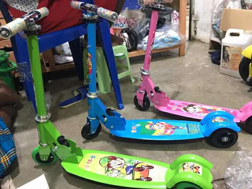 Kid's Scooters on sale 0