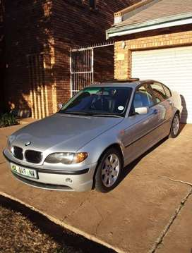 Bmw Sports pack 318i very neat condition 4 sale