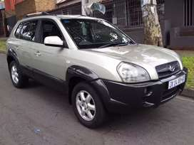 2005 Hyndai Tucson 2.0 leather seat