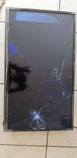 Cracked 32 inch hisense + cellphones