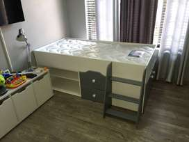 Kids Single bed with drawers
