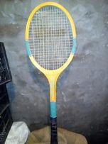 Ракетка для тенісу за 325 грн.В хорошому стані