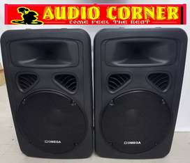 """Omega Speakers 15"""" With built in Amp"""