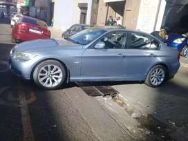 Bmw  3series  2010 at very low price good condition