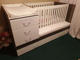 Bedroom in a box / Cot