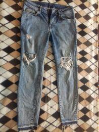 Продам джинсы мужские Bershka