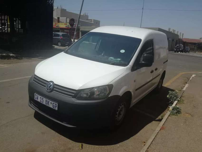 VW Caddy 1.0 is available 0