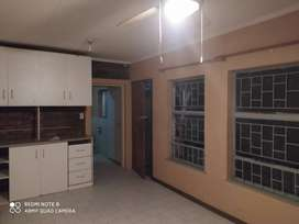 Flat to let to single person west acres ext 1