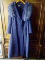 Осенне-зимнее женское пальто