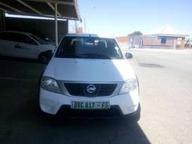 NP200 1.6 ,16v Bakkie with cover