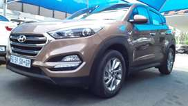 HYUNDAI TUCSON 2.0 SPEAR-KEY R/CAMERA F/CAMERA AUTOMATIC