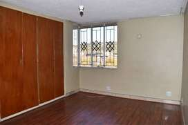5Bedroom Flat to Let in Glenread flat is Available Immediately!!!
