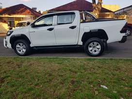 TOYOTA HILUX DOUBLE CAB 4X2 GD6 WITH SERVICE BOOK