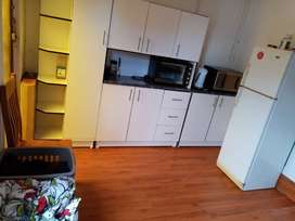 Bachelor flat for rent R5200,incl water & geyser, behind Cape Gate mal