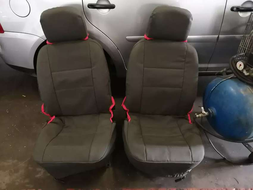 Bakkie seat covers 0