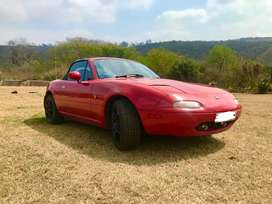 Mazda MX collectors Item - Convertible 2 Door