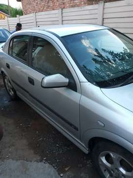 Am selling my two cars Hyundai elantra 2002 and3 opel astra 2006