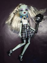 Lalka Monster High świecąca