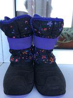 Продам зимові чобітки Kamik