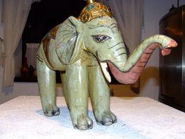 Piękny stary drewniany indyjski słoń.