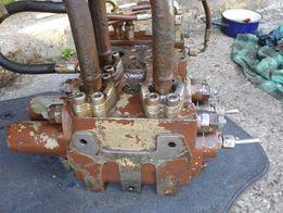 Rozdzielacz Case 1088 pompa głowna Marrel Hydro