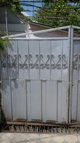 Продам ворота с калиткой.