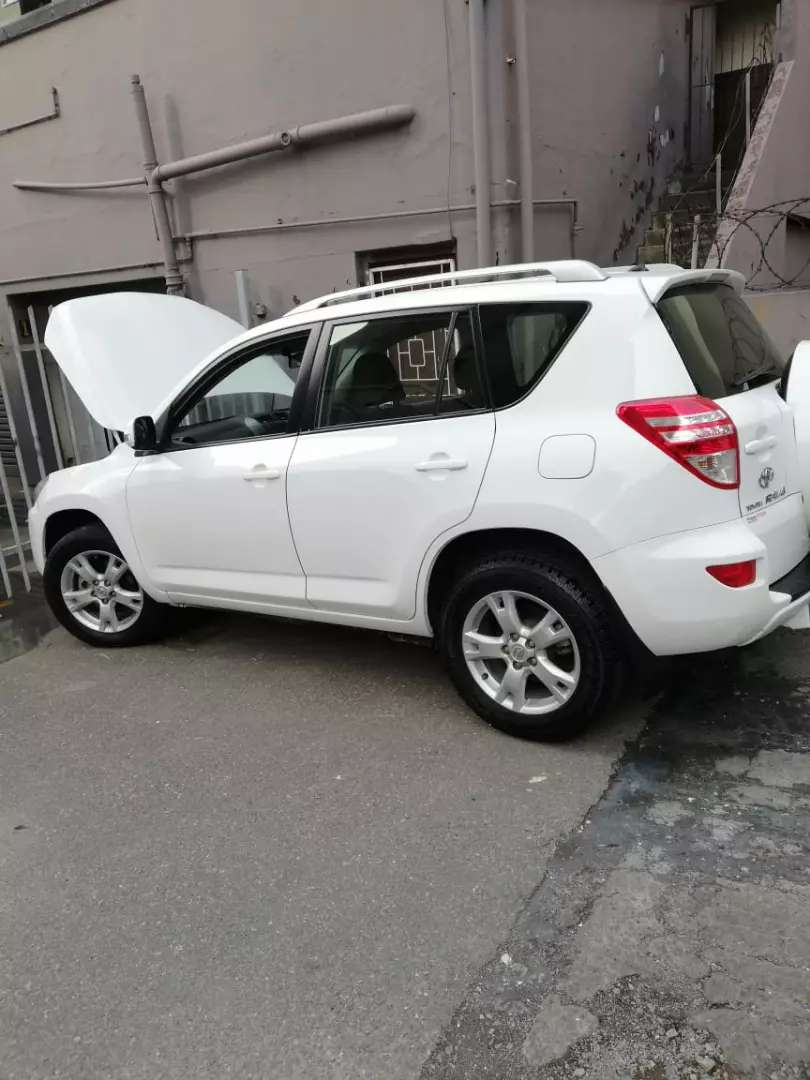 2011 Rav4 AUTO to SWAP for Fortuner 0