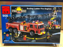 Продам ГРОМАДНУЮ пожарную машину лего конструктор