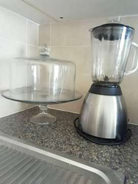 Cake stand and blender