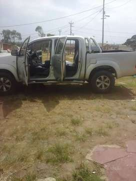 Selling toyota hilux