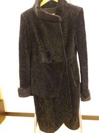 женская дубленка пальто из кожи ягненка под каракуль с норкой