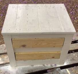 Hand made pallet indoor and outdoor furniture