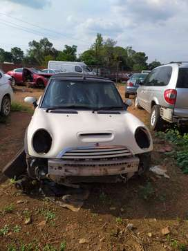 2006 MINI COOPER S CONBERTIBLE STRIPPING AS SPARES