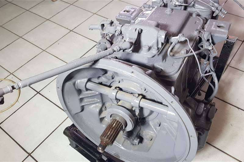 1989 Nissan CW520 Truck Gearbox 0
