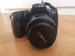 Aparat fotograficzny analogowy lustrzanka Minolta