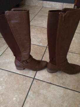 Long boots size 4