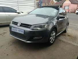 2013 Volkswagen Polo 1.6 TDi with a sunroof