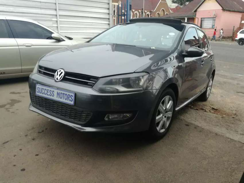 2013 Volkswagen Polo 1.6 TDi with a sunroof 0