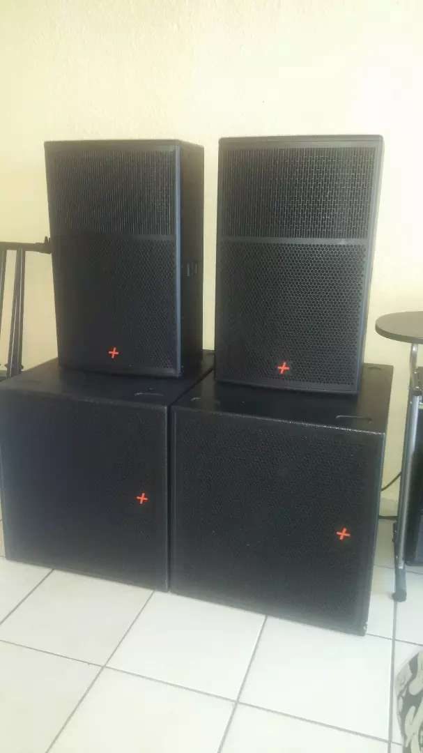2 Hybrid + single bass bin FT18 inch and 2tops FT15 0
