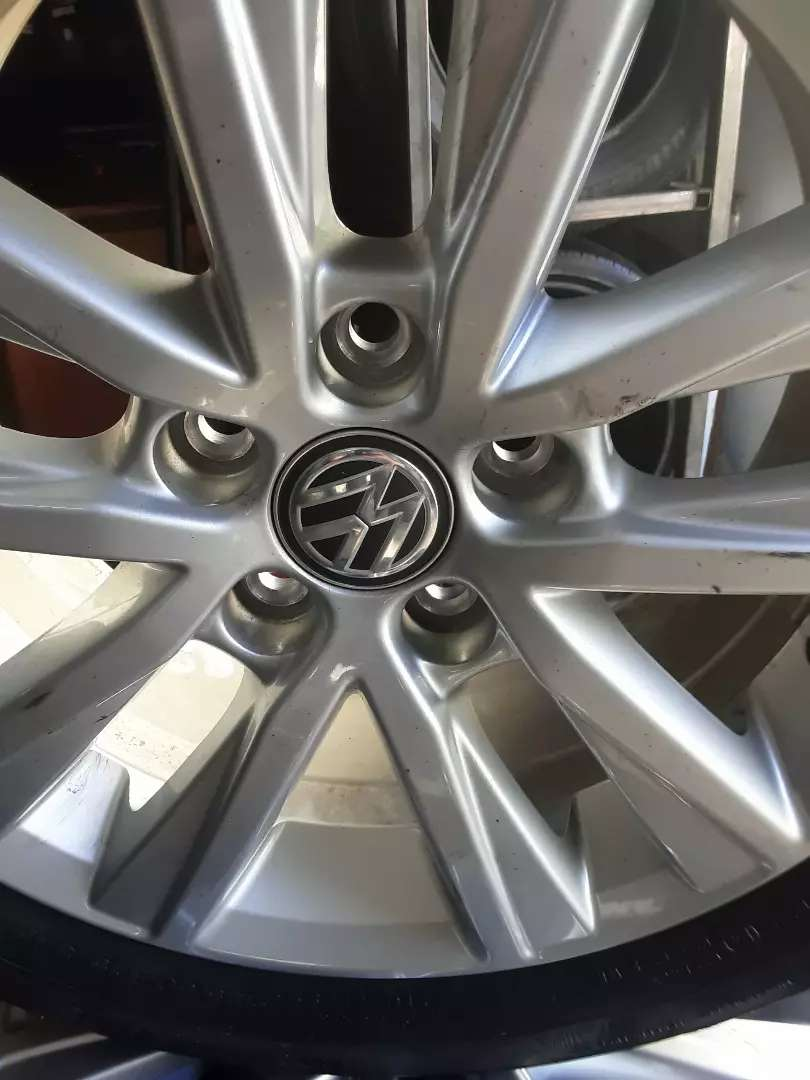 4×Rime and tyres for polo Tsi  185/60/15 Continental tyres for sale