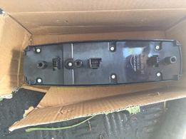 Кнопки стеклоподъемников на Мерседес ML 164 A2518300590 GL 164