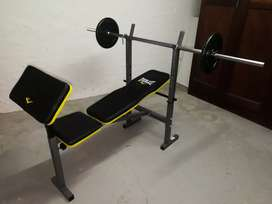 Everlast bench press mint condition with weights