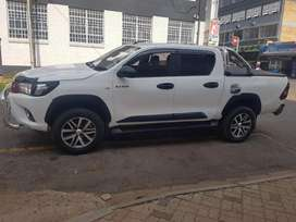 Toyota hilux 2.4 GD6 2016