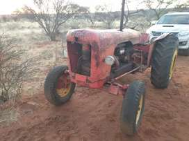 Tractor for sale R30