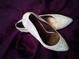 Женские эффектные туфли ELITE by MONARCH . Удобный каблук