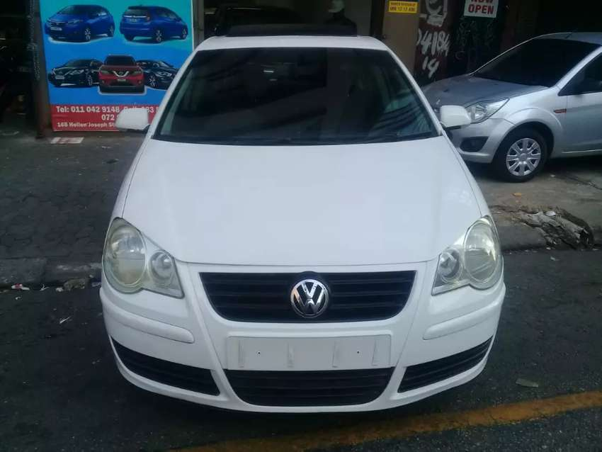 White Polo sunroof 2007 model engine 1.6 for sale 0