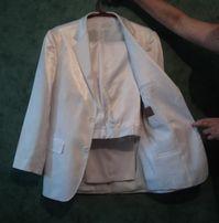 Продам мужской белый костюм на выпускной, свадьбу.