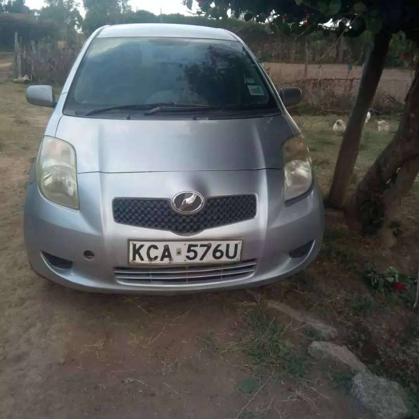 A very clean toyota vitz on quick sale by owner 0