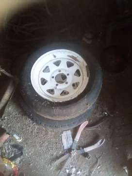 "14"" trailer rims "" nissan 1400 mags"