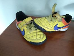 Buty piłkarskie Nike Tempo rozmiar 34